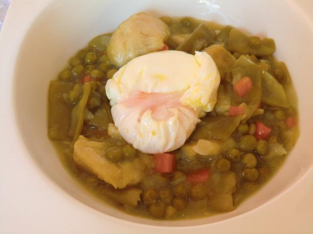Menestra sin gluten con huevo pochê