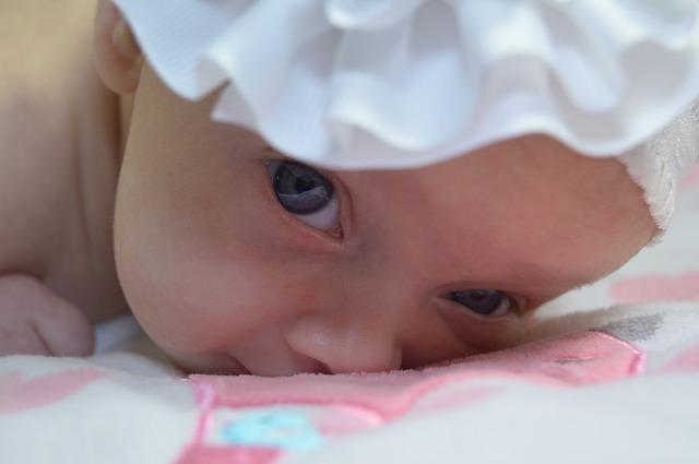 Ojos llorosos en recién nacidos: ¿es grave?