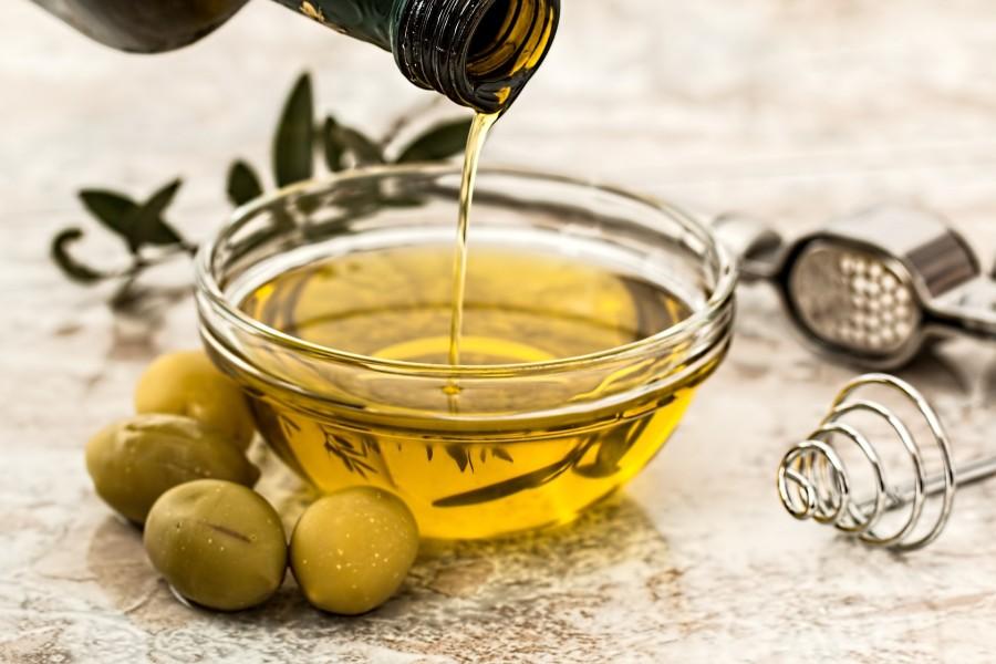 Aceite de oliva: 5 razones por la que es un alimento clave en  la dieta mediterránea