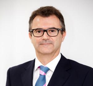 """Entrevista al Dr. José Salvador: """"El lifting facial es ideal ideal para corregir signos moderados de envejecimiento y descolgamiento"""""""