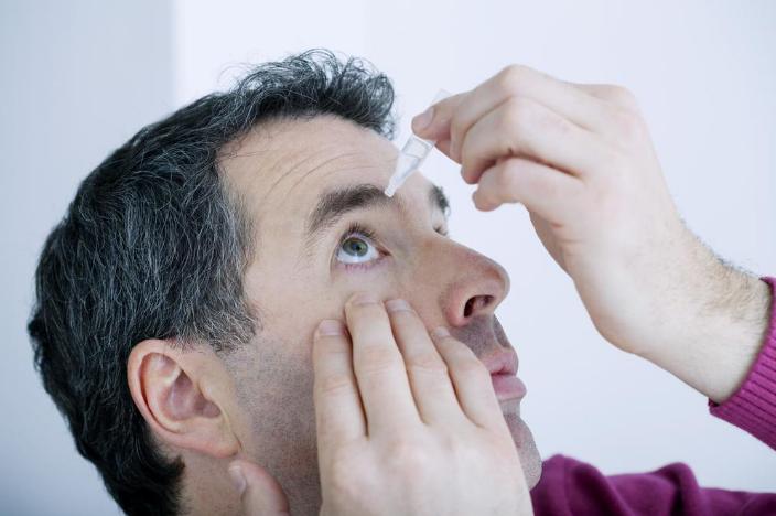 Ojos resecos: síntomas, causas y tratamientos