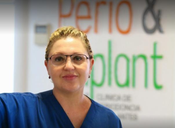 """Entrevista a la Dra. Carmen Pomares: """"Queremos devolverles la sonrisa a nuestros pacientes"""""""