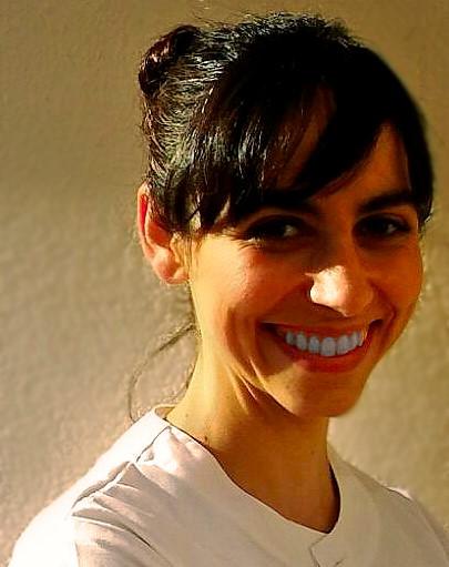 """Entrevista a Beatriz Díaz: """"Los farmacéuticos resolvemos los problemas del paciente a través del consejo"""""""