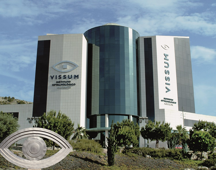 Vissum incorporates the latest technology for myopia and astigmatism surgeries
