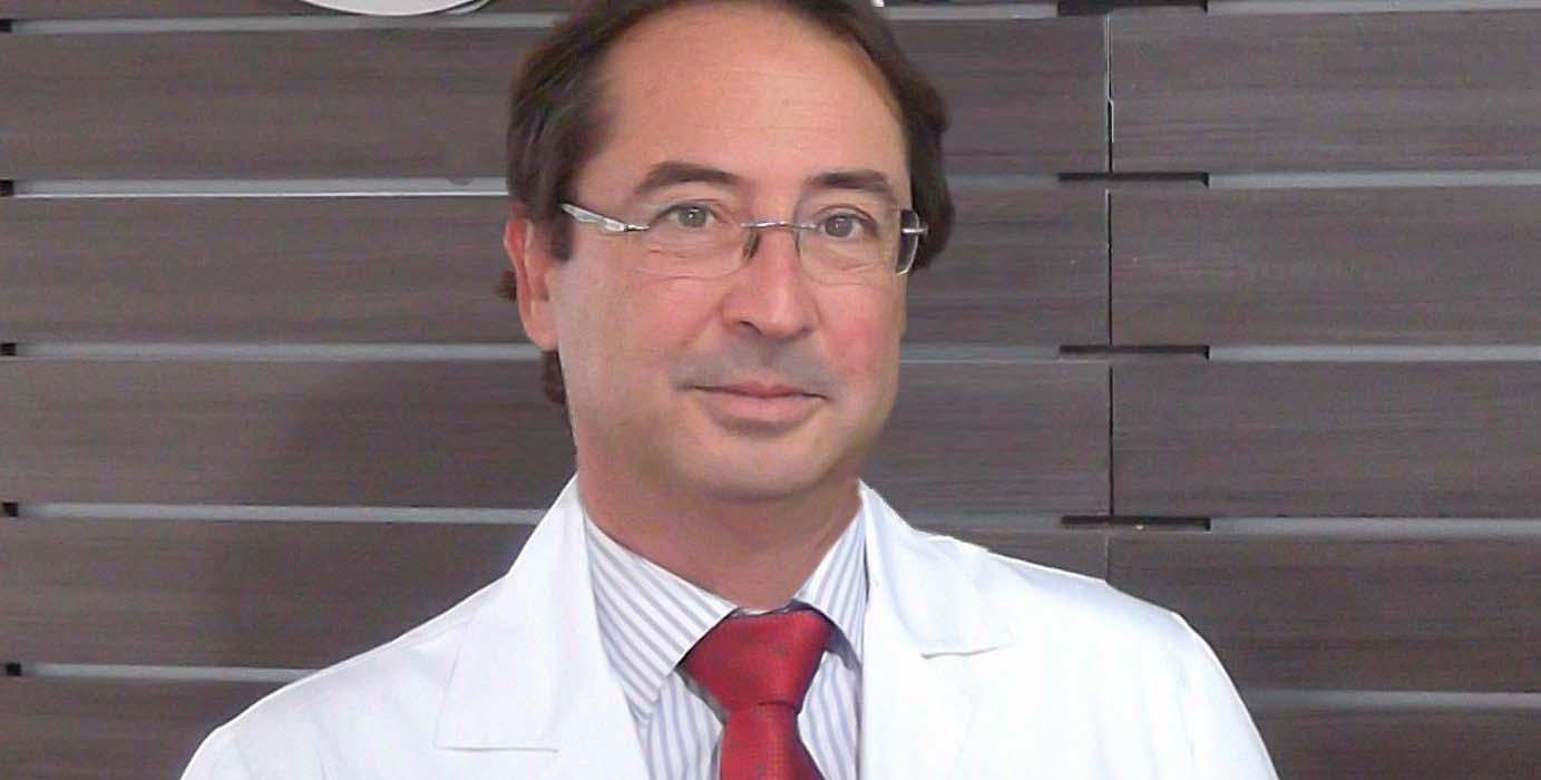 """Entrevista al Dr. Enrique Chipont: """"Las lentes trifocales proporcionan mejores resultados quirúrgicos"""""""