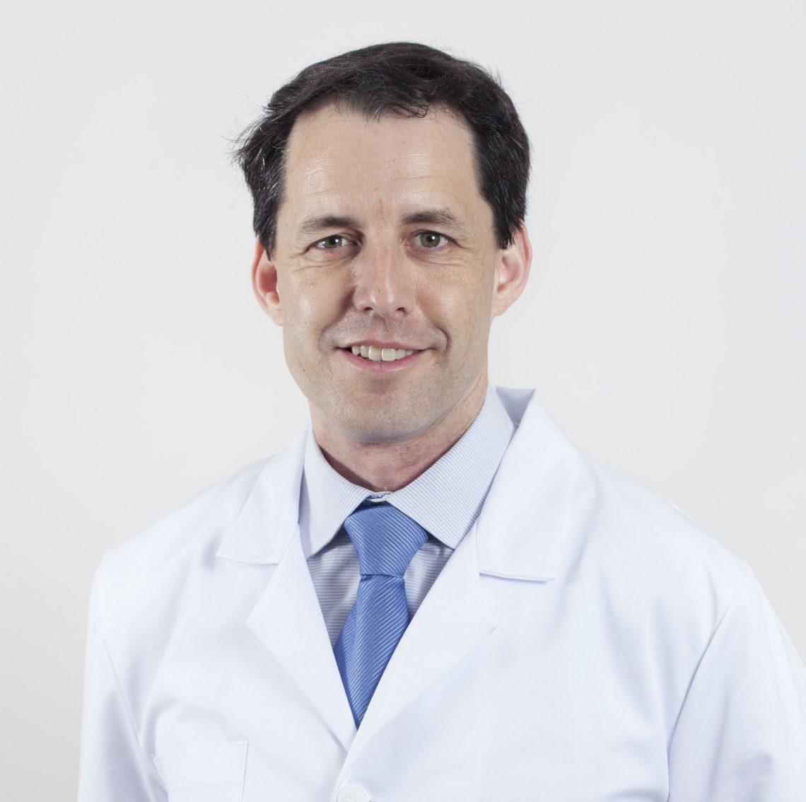 Dr. Pedro Lloret Luna: especialista en dermatología estética
