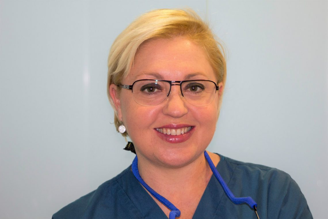 Dra. Carmen Pomares: «Los tratamientos de implantes tienen un alto índice de éxito»