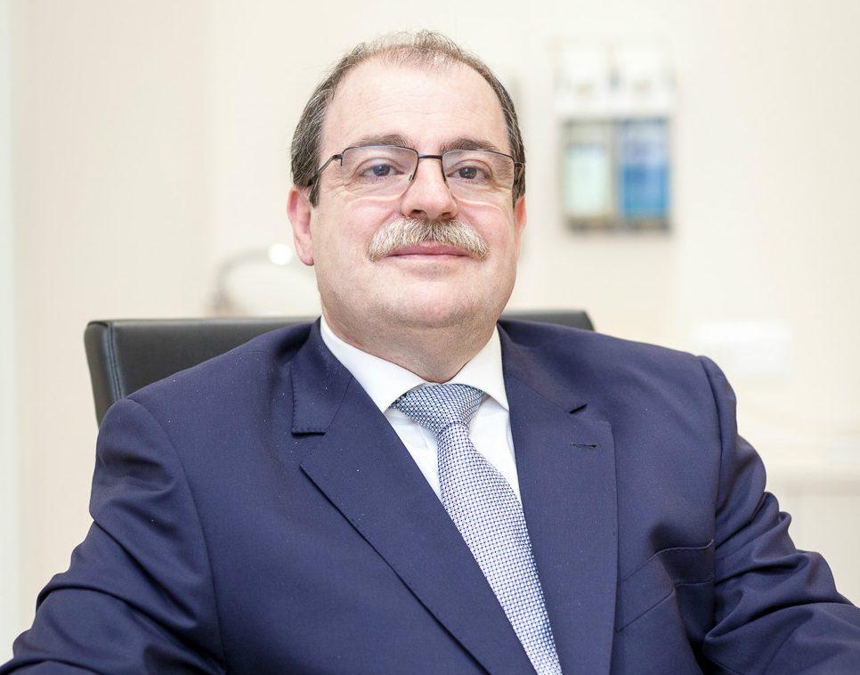 Éxito del curso de Actualización para Ópticos-Optometristas impartido por el Dr. Carlos Laria