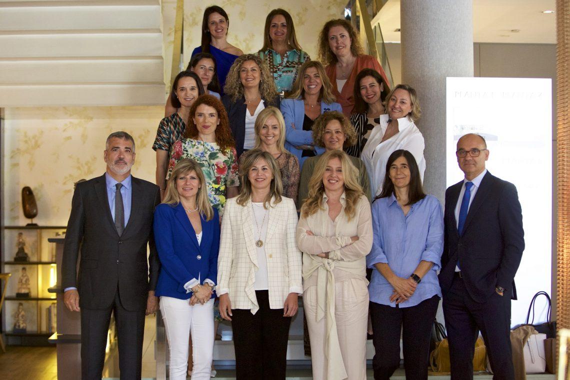 Mujeres líderes con la UA