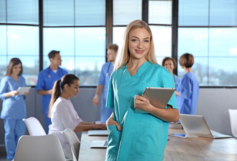 CEU Cardenal Herrera: cursos Relearning para profesionales sanitarios