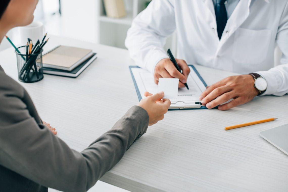 Cómo comparar entre seguros de salud privados
