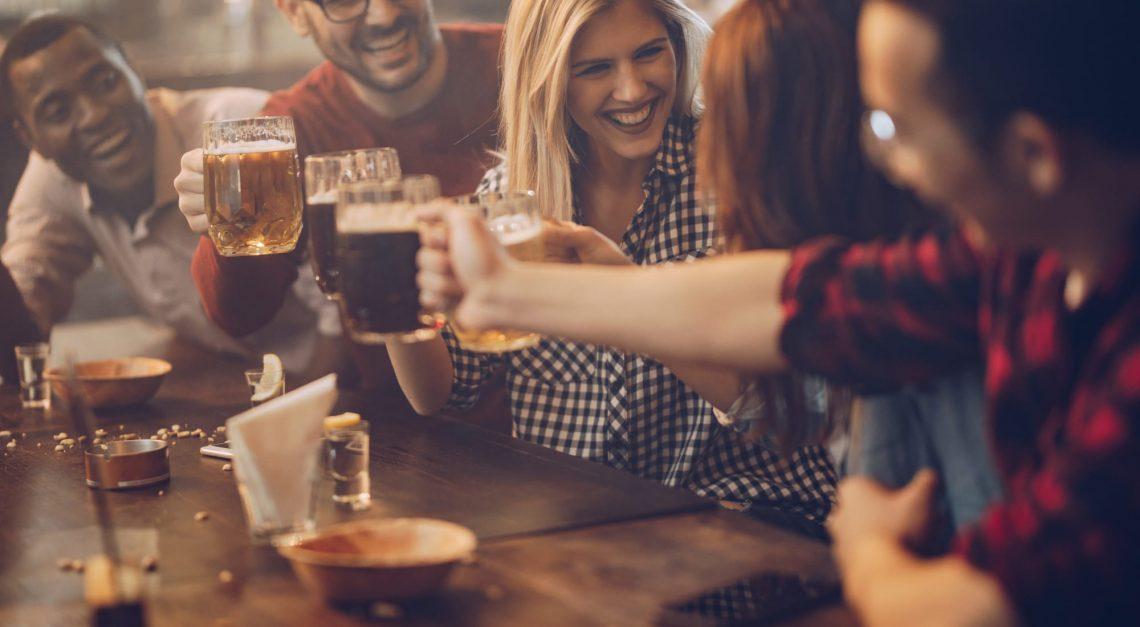 Alcoholismo: cuando se deja de ser un bebedor social para convertirse en adicto