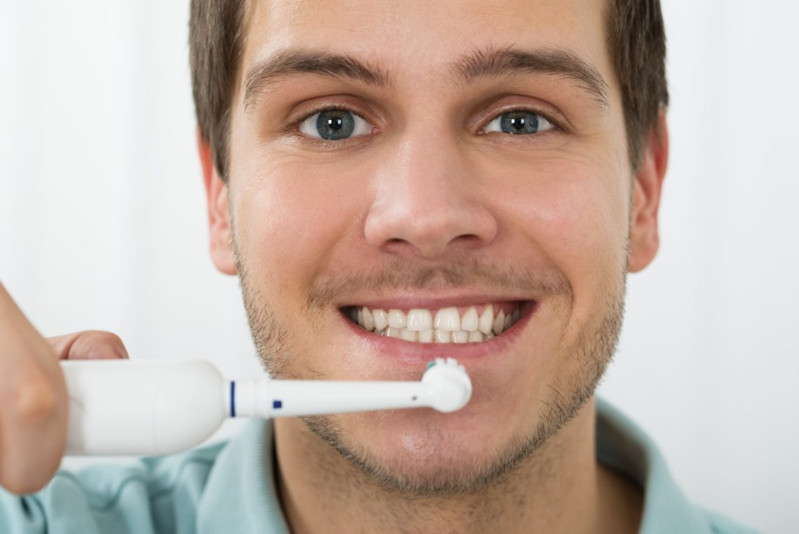 Cepillo de dientes eléctrico: beneficios para tu salud dental