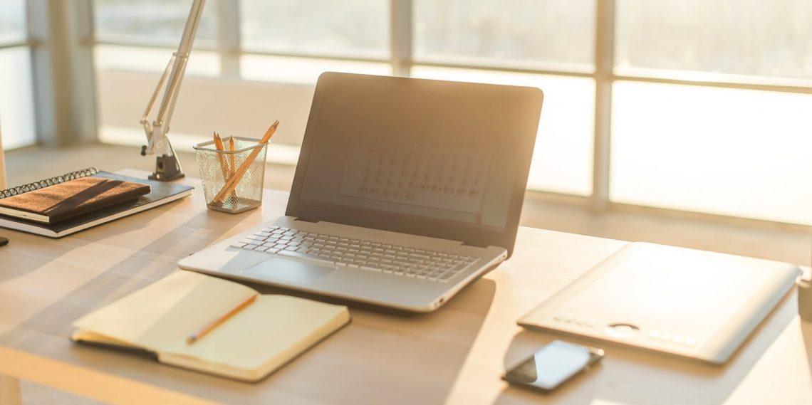 Teletrabajo y ordenadores: cómo prevenir problemas ergonómicos
