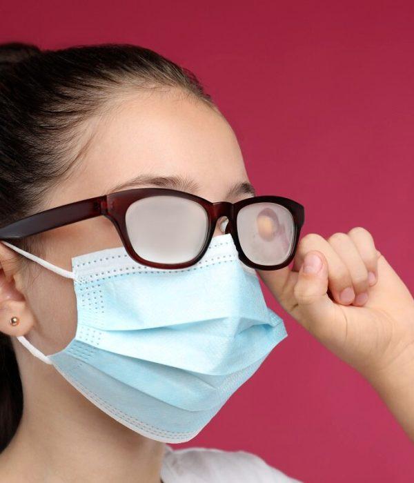 Cómo evitar que se empañen las gafas con mascarilla trucos