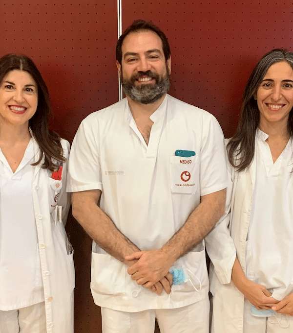 Dra. Ana Maestre, el Dr. José Carlos Escribano y la Dra. Nadia Ahmad de la Unidad ETEV